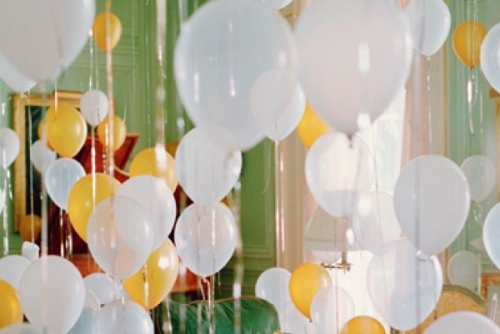 Last-Minute-New-Year's-Eve-Party-Decoration-balloons